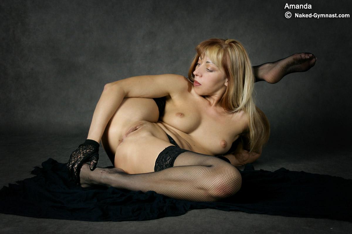 Nude Contortion Hottie Bends Her Fleible Body In Sey Lingerie